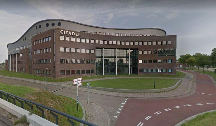 De Citadel in Houten wordt verbouwd tot appartementencomplex voor huurders.