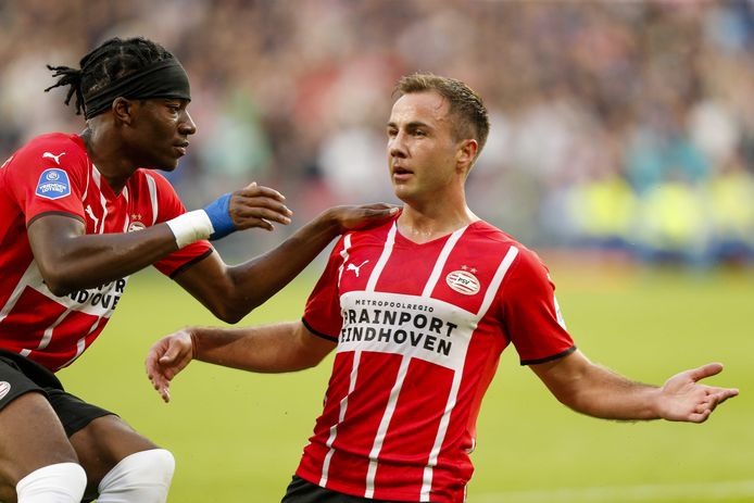 Mario Götze ziet dat het bij PSV de goede kant opgaat.