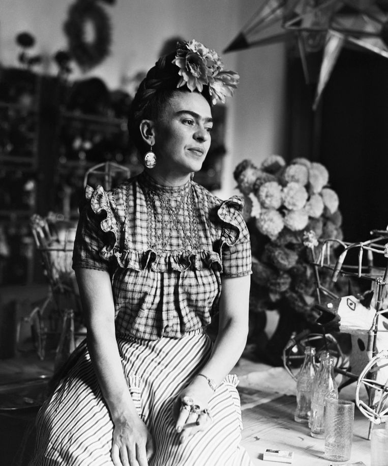 (Original Caption) 1944: Photograph of Frida Kahlo (1910-1954), Mexican painter and wife of Diego Rivera. Beeld Bettmann Archive