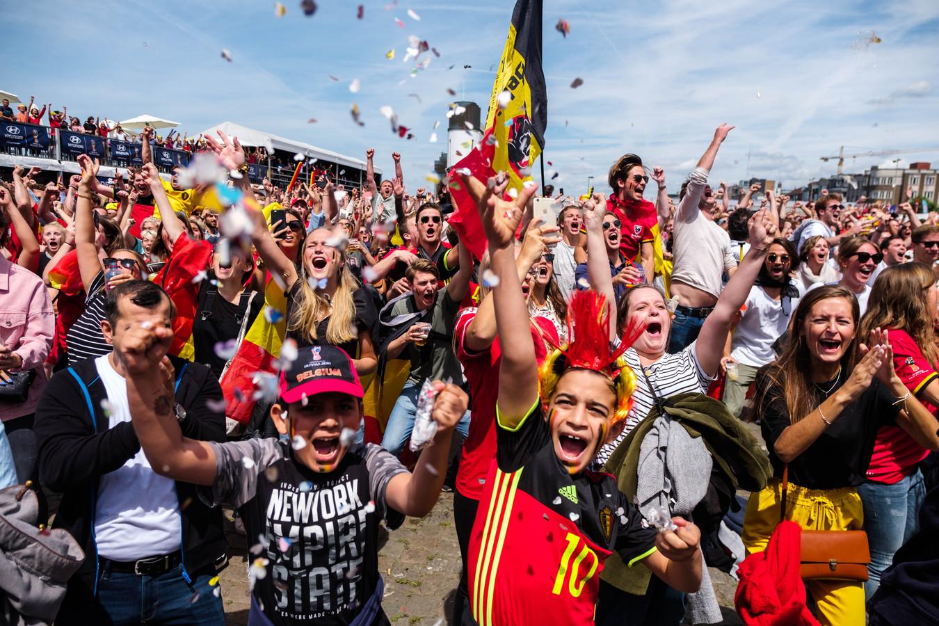 Het volksfeest barst los op de Kaaien tijdens België-Tunesië op het WK van 2018. Of we dit beeld binnen minder dan een maand zullen terugzien, zij het in een grote bubbel met 400 mensen, moet de komende dagen duidelijk worden.