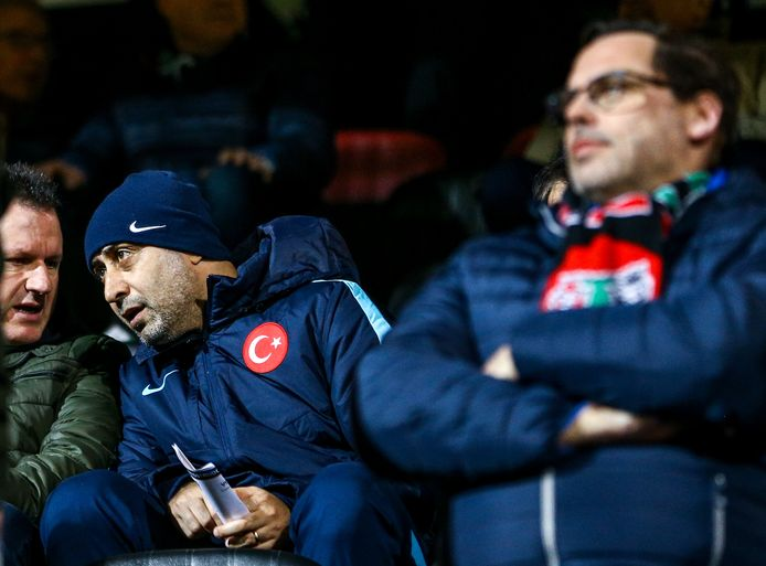 Delegatie Turkije aanwezig bij de wedstrijd tussen NEC en Volendam.