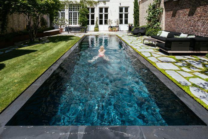 Zwemmen in de Brugse binnenstad, in deze mooiste tuin is het heerlijk toeven in het water.