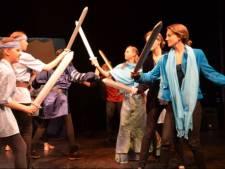 Leerdamse theatergroep La Troupe viert 25-jarig bestaan