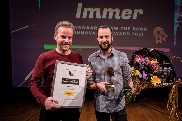 Leesapp wint de Renew the Book Award en gaat met 50.000 euro naar huis.
