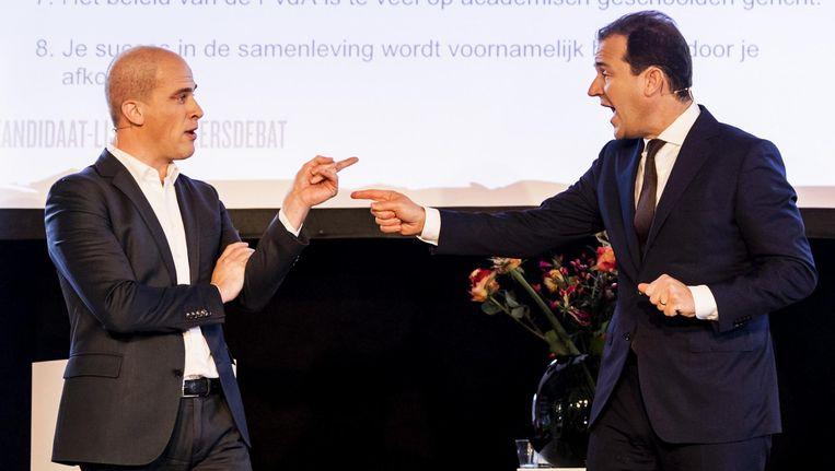 Samsom (l) en Asscher in Tilburg, bij het tweede debat. Beeld ANP