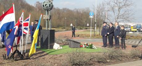 Monument voor slachtoffers MH17 onthuld op Vliegbasis Eindhoven