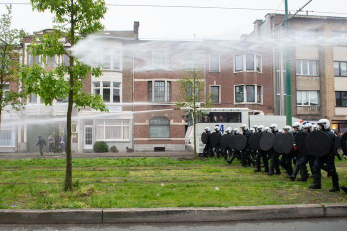 De laatste derby werd op het Kiel gespeeld, de Beerschothooligans botsten toen op een leger zwaarbewapende politie om tot bij de supportersbussen van Antwerp te geraken.