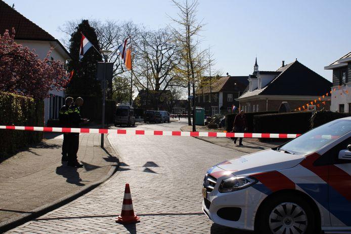 De politie heeft de straat afgezet.
