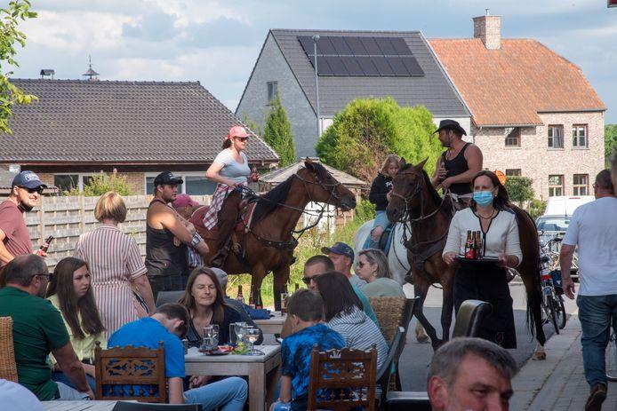 Paardenommegang Kortenbos.
