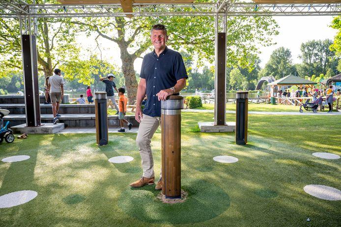 Directeur Fred Nijveld ziet tot zijn genoegen dat het weer druk is in Plaswijckpark. Nieuwbouw komt eraan. 'De kans is groot dat er ook een restaurant in terecht komt'.