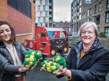 Haagse oma Marjon schenkt speelgoed aan kwetsbare kinderen: 'Het zijn kleine dingen die het leven beter maken'