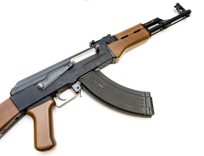 Replica van een AK-47 .