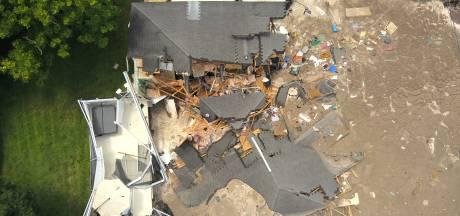 Sinkhole slokt twee huizen en een boot op in Florida