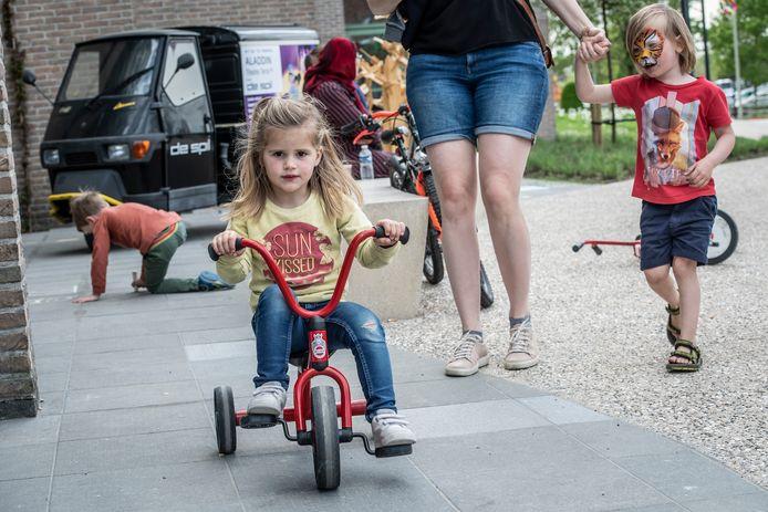 Fietsen, fietsen rond CC De Spil.
