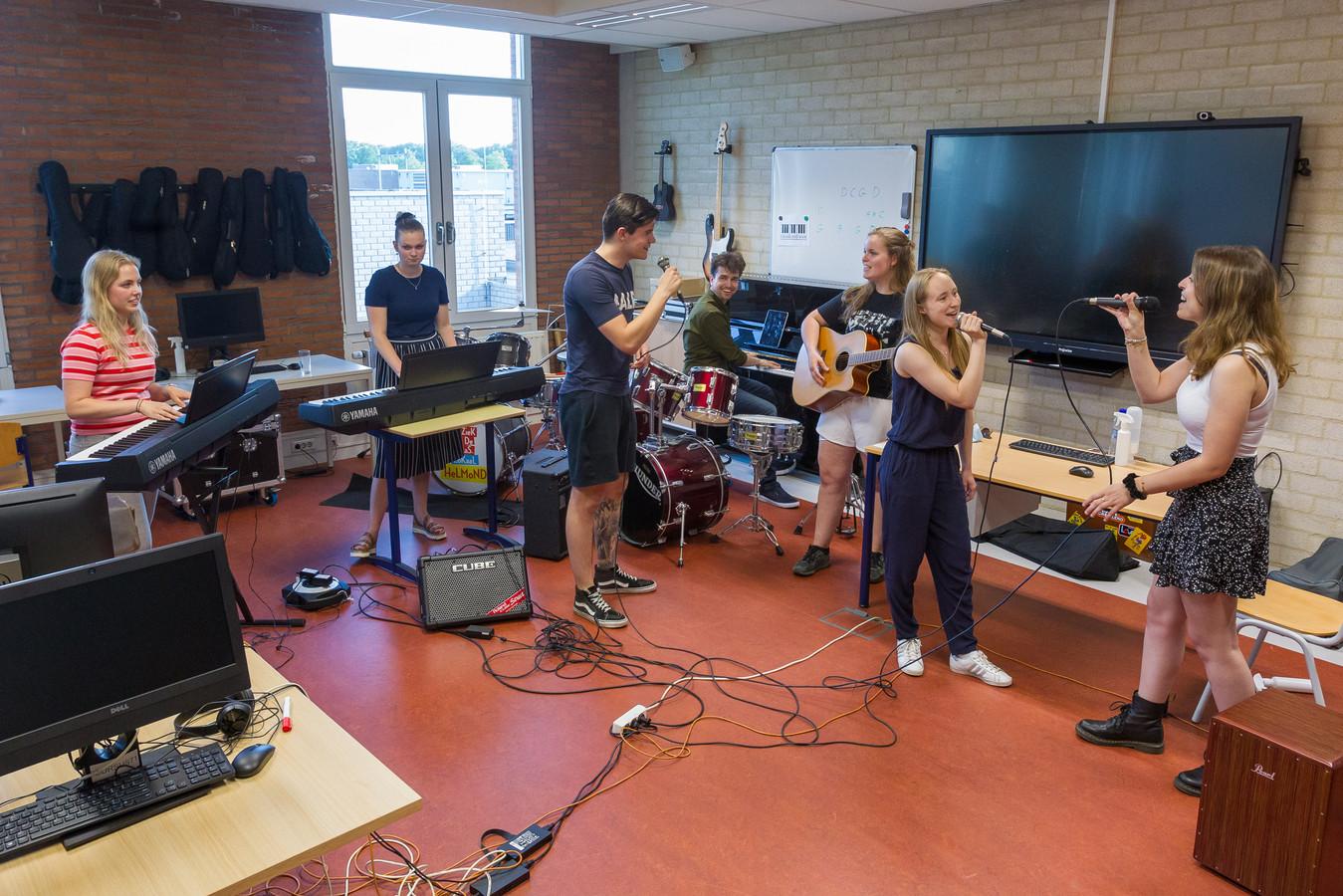 Studenten van de opleiding Vakspecialist Muziek.