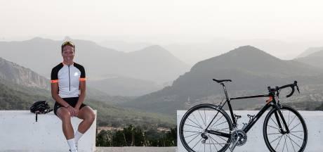Agnieta Francke uit Koudekerke laat in Spanje zien dat ze nog kan wielrennen