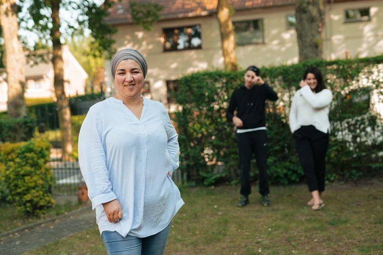 Fatima Bouchataoui was van plan dit jaar de 'langste iftartafel' te organiseren, maar dat kan niet doorgaan. Beeld Illias Teirlinck