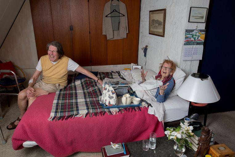 Barbara Higgs en haar man Ron van Aalst.  Beeld Maartje Geels