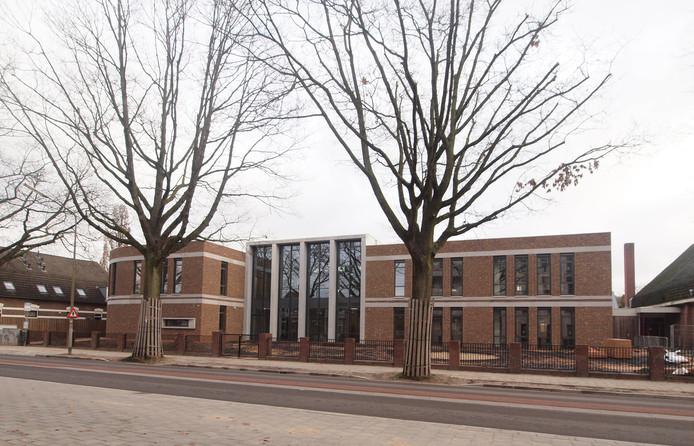 21. Brede school Brakkenstein aan de Heijendaalseweg Architectenbureau: Factor Architecten.  Opdrachtgever: Stichting Sint Josephscholen.