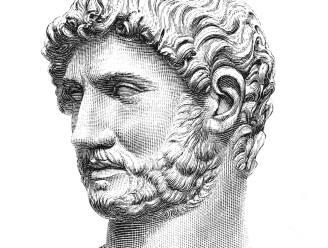 Archeologen ontdekken zeldzaam standbeeld van Romeinse keizer Hadrianus