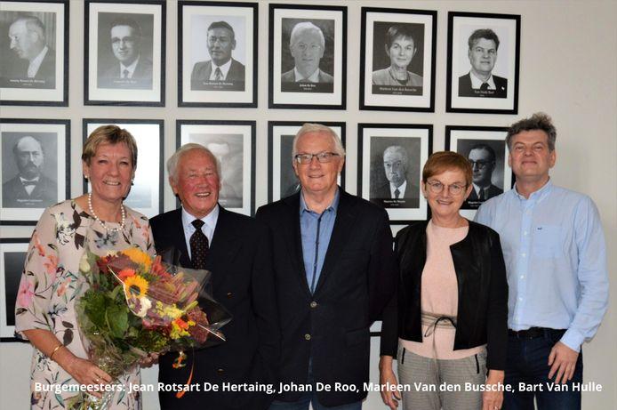 Ann Coppejans (links) naast haar vier burgemeesters.