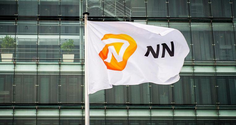 De vlag van verzekeraar NN, (Nationale-Nederlanden) Beeld null