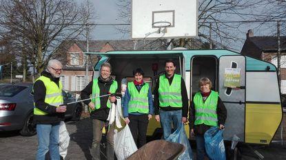 Vrijwilligers houden lenteschoonmaak