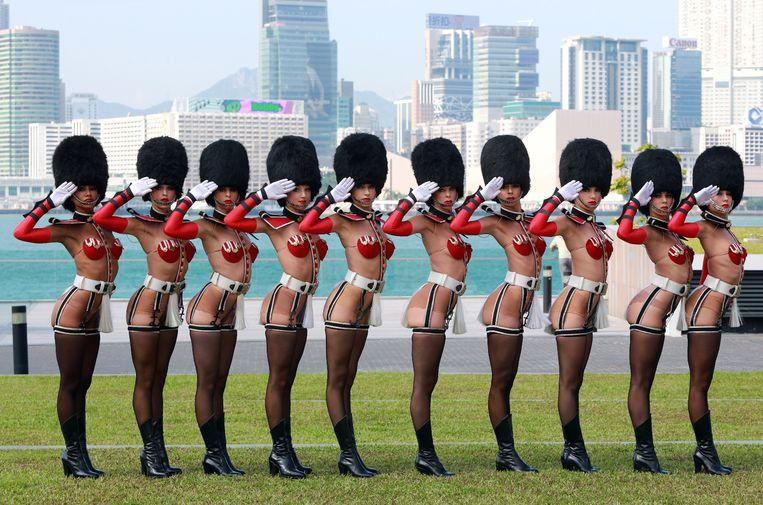 'Le Crazy Horse'-danseressen in Hong Kong. Beeld AFP