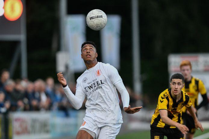 Dylan Timber krijgt volgend seizoen de kans in het profvoetbal bij Jong FC Utrecht.