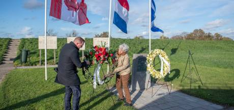 Herdenking in Baarland in alle opzichten in stilte