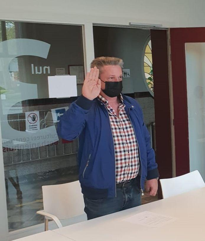 Kurt Janssens legt eed af als nieuw lid van het bijzonder comité voor sociale dienst