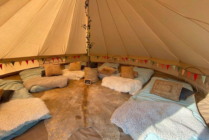 De tenten van 'Nachtraafjes' van Dominique De Bondt en Toon Keppens uit Mere zorgen voor de perfecte 'Glamping'-ervaring.