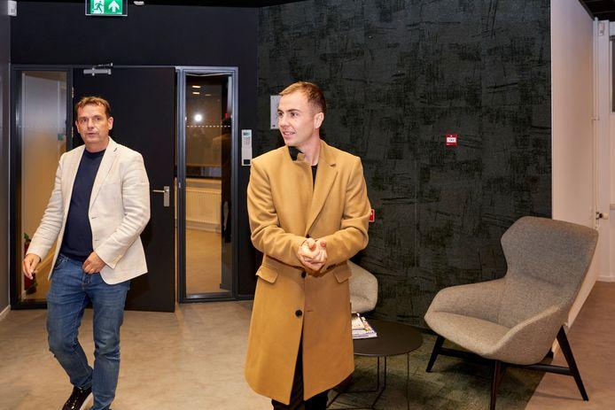 Commercieel directeur Frans Janssen (links) samen met PSV-speler Mario Götze.