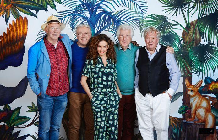 Peter, Barrie, Gerard en Willibrord gaan op pad met Katja Schuurman.