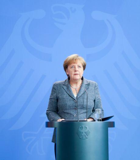 """3.000 juges virés, Merkel appelle à respecter """"l'État de droit"""""""