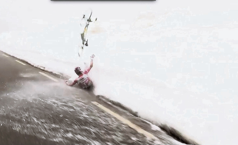 Steven Kruijswijk begraaft zijn Giro-aspiraties in 2016 in de sneeuw.