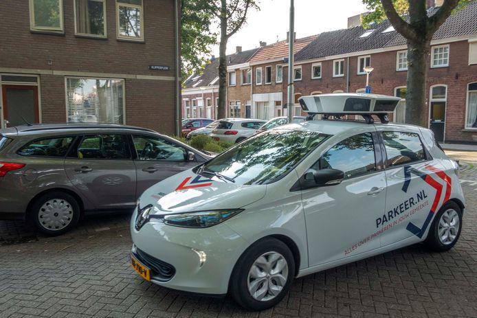 Een scanauto aan het werk in Tilburg