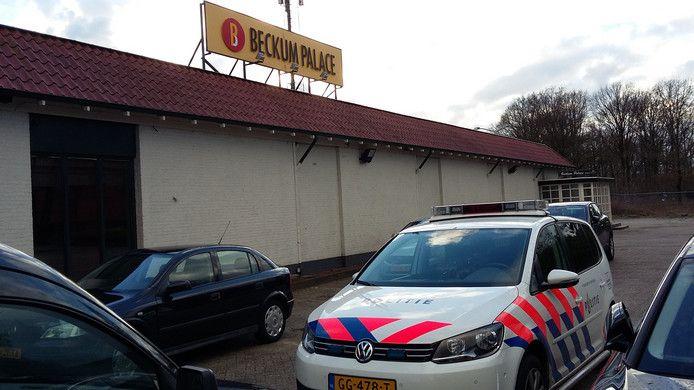 De politie was donderdagmiddag aanwezig bij zalencentrum Beckum Palace.