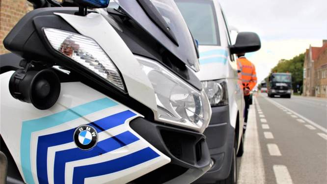 Politie legt lockdownfeestje met 25-tal Fransen stil in vakantiewoning in Kortemark