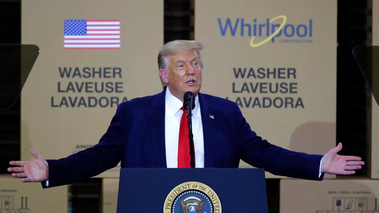 Trump werpt zich op als beschermheer van de Amerikaanse economie. Beeld AP