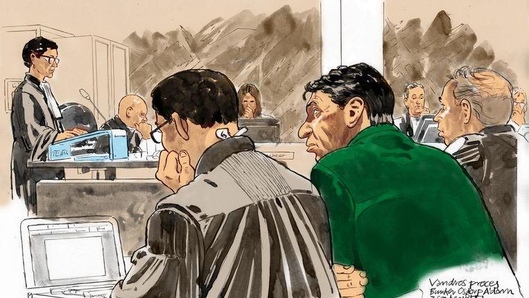 Rechtbanktekening (vlnr) officieren van justitie Sabine Tammes en Lars Stempher, advocaat Robert Malewicz, Willem Holleeder en advocaat Sander Janssen, tijdens de voortzetting van de strafzaak. Beeld anp