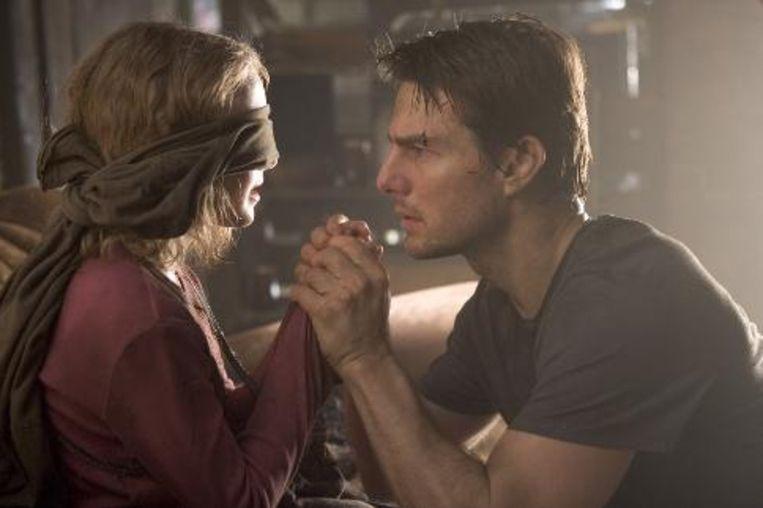 Dakota Fanning en Tom Cruise in War of the Worlds Beeld