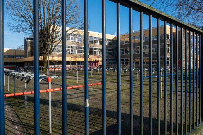 Het gebouw van De Noordgouw in Heerde behoeft dringend renovatie, want een samengang met de Eper RSG NO-Veluwe in een nieuw gebouw in de bossen tussen beide dorpen is te duur.