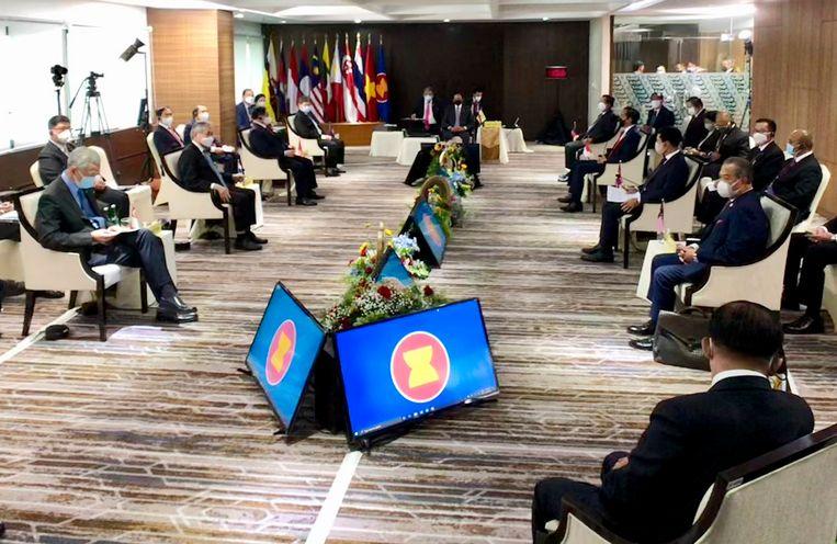 De leiders van de Asean bijeen in Jakarta. Beeld AP