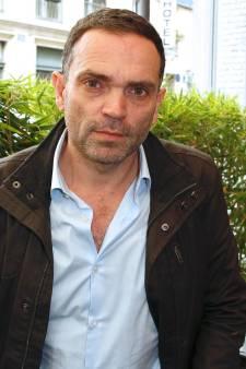 """Le père de Yann Moix revient sur les accusations de maltraitance: """"J'ai probablement mal agi"""""""