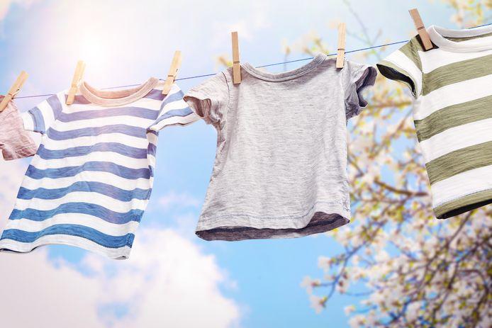 De frisse lucht, wind en zon zijn ideaal om je was buiten te laten drogen.