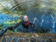De spanning van de magneetvisser: van fietsen tot wapens uit Delftse grachten