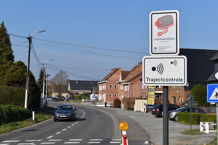 Op de Oudenaardestraat werd wel een trajectcontrole geplaatst maar die werkt nog steeds niet.