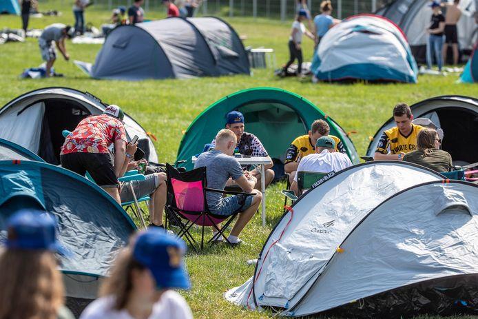 Als de tenten staan is het tijd voor wat rust.
