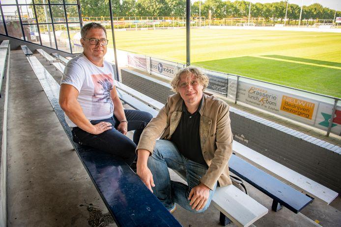 Verenigingscoach van AZC Anno Waterlander (links) samen met Marc Nagtegaal van het Onderwijs Zorg Centrum Zutphen (rechts). Samen zijn ze het initiatief gestart om leerlingen op meerdere locaties ondersteuning te bieden op het gebied van huiswerkbegeleiding.